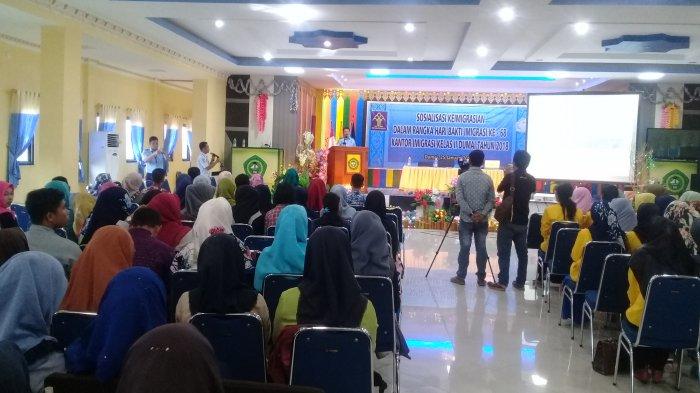 Imigrasi Dumai Gelar Sosialisasi kepada Kawula Muda di STIA Lancang Kuning