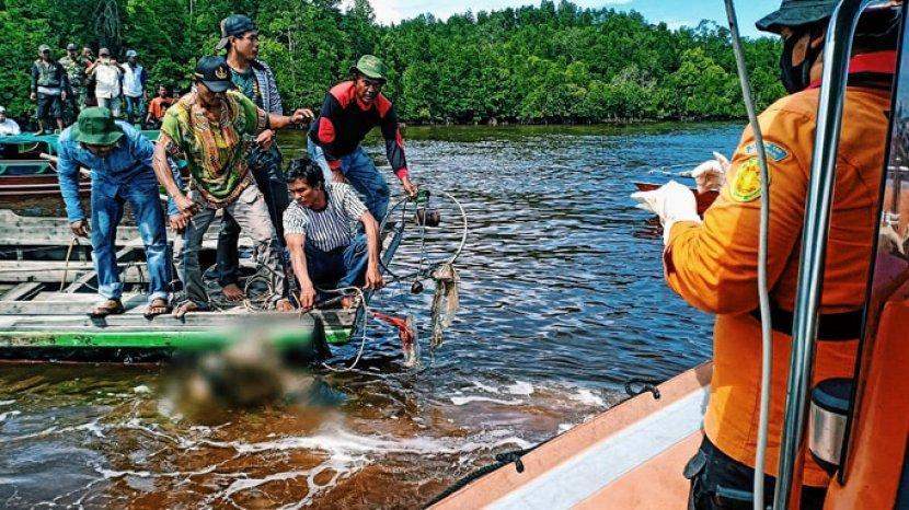 evakuasi-korban-tenggelam-di-sungai-belaras.jpg
