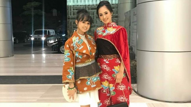 malam-ini-etnika-fashion-2018-tampilkan-30-koleksi-nan-menawan-di-hotel-aryaduta-pekanbaru_20180921_113538.jpg
