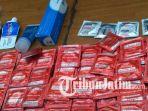 100-bungkus-kondom-dari-pesta-gay_20170430_234143.jpg