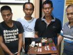 4-laki-laki-diamankan-polisi-di-dumai-bersama-33-paket-narkotika-jenis-sabu-sabu-siap-edar.jpg