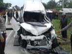 4_orang_tewas_dalam_kecelakaan_di_jalan_lintas_pekanbaru-bangkinang_kampar_sopir_truk_kabur.jpg