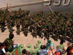 600-personel-tni-tiba-di-timika.jpg