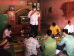 alfedri-menyampaikan-programnya-pada-kampanye-dialogis-di-rumah-ajo-jamil-kampung-kandis.jpg