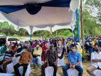 anggota_dprd_pekanbaru_aidil_amri_beri_bantuan_kepada_warga_saat_reses_di_okura.jpg