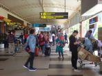 arus-balik-mudik-bandara-sultan-syarif-kasim-ssk-ii_20180624_154130.jpg