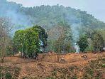 asap-membubung-dari-pangkalan-militer-myanmar.jpg