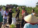 badri-melatih-dan-sosialisasi-pertanian-tampa-bakar-ke-masyarakat-dan-perangkat-desa.jpg