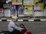 baliho-balon-gubernur-riau-di-jalan-pattimura-pekanbaru_20170816_180840.jpg