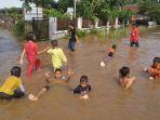 banjir-di-pekanbaru_20181018_115026.jpg