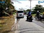 banjir-merendam-jalur-jalan-pesantren-tenayanraya-pekanbaru.jpg