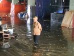 banjir-pasar-bawah-pekanbaru_20180729_230219.jpg