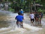 banjir-sungai-batak-pekanbaru.jpg<pf>banjir-sungai-batak-pekanbaru-1.jpg<pf>banjir-sungai-batak-pekanbaru-2.jpg