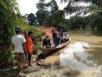 banjir_di_desa_lubuk_kembang_bunga_dan_air_hitam_pelalawan_terancam_parah_lagi_jika_hujan_turun.jpg