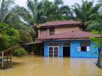banjir_di_kampar_riau_gunung_sahilan_dan_sahilan_darussalam_terendam_banjir_2.jpg