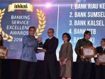 bank-riau-kepri-raih-award-the-best-of-the-best-service-excellent-bpd-2018_20180606_090523.jpg
