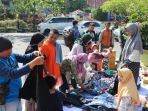 bantu-korban-gempa-lombok-dompet-dhuafa-riau-dan-relawan-jual-pakaian-layak-pakai_20180903_155410.jpg