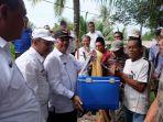 bantuan-sampan-kementerian-kelompok-nelayan-inhil_20181019_102023.jpg
