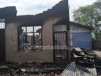 bekas-kantor-salah-satu-perusahaan-pupuk-di-jalan-kaharuddin-nasution-terbakar_20180904_152347.jpg