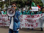 bem-seluruh-indonesia-si-melakukan-aksi-unjuk-rasa-di-kawasan-patung-kuda.jpg
