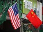 bendera-amerika-serikat-dan-china-bergandeng.jpg