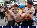 breaking-news-kapolresta-pekanbaru-kombes-susanto-dilarikan-ke-rs-awal-bros-kronologi-versi-polisi.jpg