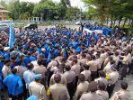 breaking_news-ratusan_mahasiswa_demo_tolak_uu_cipta_kerja_di_gedung_dprd_riau.jpg