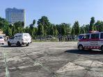 breaking_news_60_ambulans_dikerahkan_jemput_pasien_covid-19_di_pekanbaru_yang_isoman_di_rumah.jpg