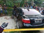 breaking_news_geger_penemuan_mayat_pria_dalam_mobil_dekat_pohon_pisang_di_rumbai_pesisir_pekanbaru.jpg