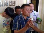 breaking_news_polisi_hadang_mobil_pengedar_sabu_3_kg_depan_polsek_kandis_riau_2_orang_ditangkap.jpg