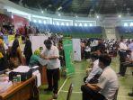 breaking_news_vaksinasi_massal_di_pekanbaru_hari_ini_2000_orang_divaksin_covid-19_di_gor_3.jpg