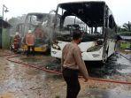 bus-pariwisata-terbakar-di-sm-amin-pekanbaru.jpg
