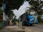 bus-trans-metro-pekanbaru-kembali-melintas-di-jalan-kartama_20170906_152244.jpg