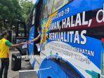 bus-vaksin-di-jalan-dipo-pekanbaru.jpg<pf>bus-vaksinasi-keliling-di-dipo-pku.jpg<pf>tunggu-giliran-bus-vaksin-di-jalan-dipo-pku.jpg