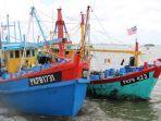 curi-ikan-di-perairan-riau-sempat-kabur-dua-kapal-ikan-berbendera-malaysia-ditangkap-sempat-kabur.jpg