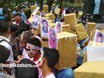 demonstrasi-mahasiswa-bem-depan-dprd-riau_20180305_164006.jpg