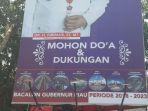 di-persimpangan-jalan-sudirman-menuju-jalan-arifin-ahmad-tampak-baliho-walikota-pekanbaru_20170903_132656.jpg