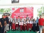 diler-astra-isuzu-pekanbaru-salurkan-donasi-pendidikan_20170917_191201.jpg