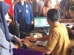 disdukcapil_pekanbaru_buka_layanan_rekam_data_e-ktp_di_stadion_kaharuddin_nasution_3_hari.jpg