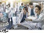 drama-korea-my-romantic-doctor-kim-2.jpg