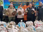 dua_penyelundup_6_ribu_ekor_belangkas_tujuan_malaysia_diupah_rp_6_juta_dibawa_dari_aceh_dan_medan.jpg