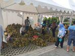 festival-makan-durian-sepuasnya-di-living-word-pekanbaru-durian-bakar.jpg