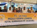 forum-komunikasi-industri-jasa-keuangan-fkijk-riau-bantu-korban-gempa-lombok_20180827_091933.jpg