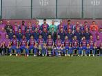 foto-resmi-skuad-lengkap-barcelona-musim-20162017_20160927_161718.jpg