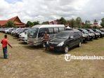 foto_agar_tidak_dibawa_mudik_ratusan_mobil_dinas_dikandangkan_di_halaman_rumah_dinas_gubernur_riau_1.jpg