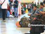 foto_arus_mudik_di_bandara_sultan_syarif_kasim_ii_pekanbaru_3.jpg
