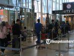 foto_arus_mudik_di_bandara_sultan_syarif_kasim_ii_pekanbaru_4.jpg
