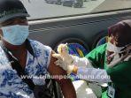 foto_bus_vaksinasi_covid-19_keliling_di_pekanbaru_beroperasi_kembali_26_juni_2.jpg