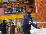 foto_cegah_penyebaran_virus_corona_covid_19_mpp_pekanbaru_sediakan_tempat_untuk_cuci_tangan_1.jpg