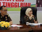 foto_ekspos_kasus_korupsi_pengadaan_video_wall_di_diskominfo_pekanbaru_2.jpg